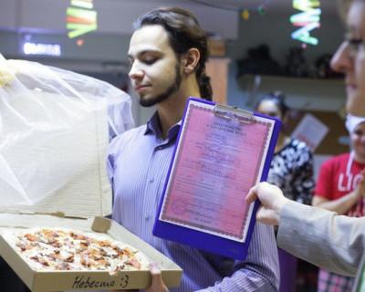 Житель Томска попытался узаконить брак с пиццей (фото)