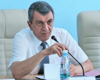 Губернатор Севастополя убежден, что сейчас не время менять спикера Заксобрания