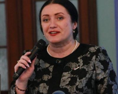 Севастопольский депутат принимает поздравления и подарки