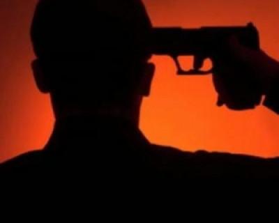Сдали нервы - в Крыму полицейский хотел застрелиться служебным оружием