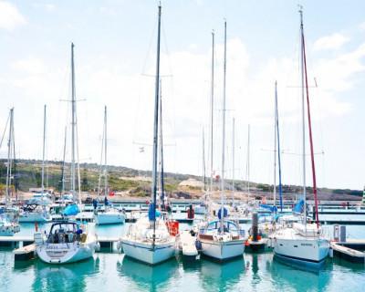 Севастопольский яхт-клуб в ожидании попутного ветра