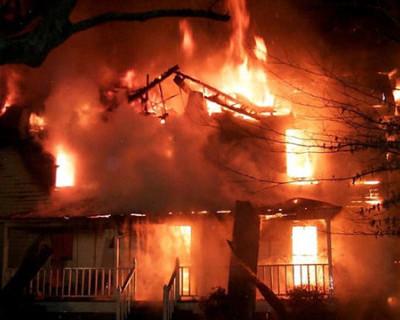 В Севастополе подожгли квартиру с тремя детьми