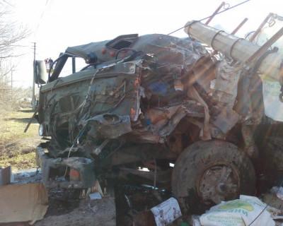 В Крыму перевернулся КамАз с прицепом (фото)