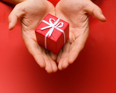 Лучший мой подарочек - это я! Россияне планируют сэкономить на подарках к 23 февраля и 8 марта