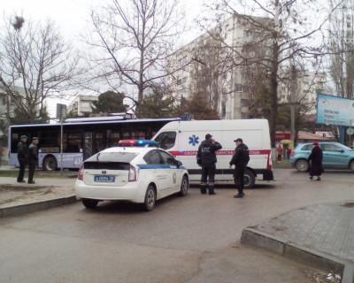 В Севастополе троллейбус наехал на пожилую женщину (фото)