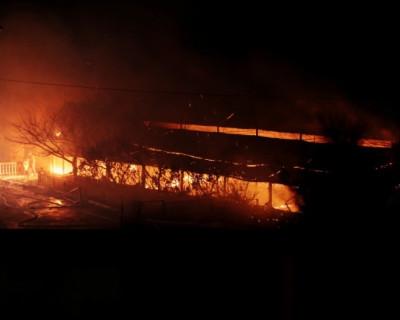Этой ночью в севастопольском диско-баре было ярко и жарко - в результате он сгорел (фото)