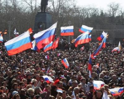 23 февраля власти Севастополя разделились на два лагеря
