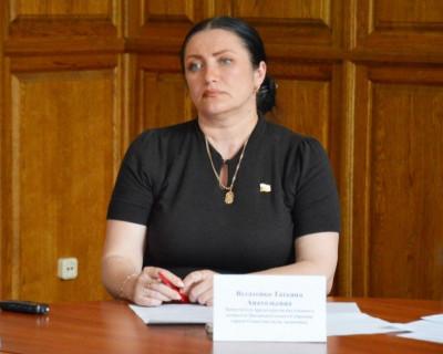 Депутат Заксобрания Севастополя Татьяна Вусатенко предложила коллегам снизить баснословные зарплаты и быть ближе к народу! (видео)
