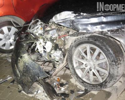 Ночной ИНФОРМЕР: Припарковался, разбив «BMW» «LEXUS» и «Nissan» (фото)