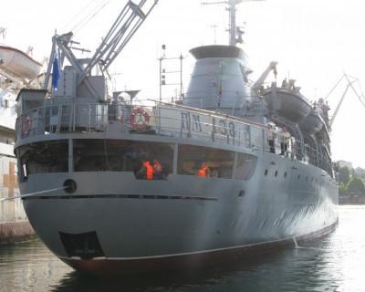 В объятую войной Сирию ушла из Севастополя ПМ-138 (фотофакт)
