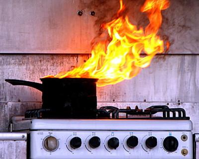 Ночной ИНФОРМЕР: Возгорание в жилой квартире