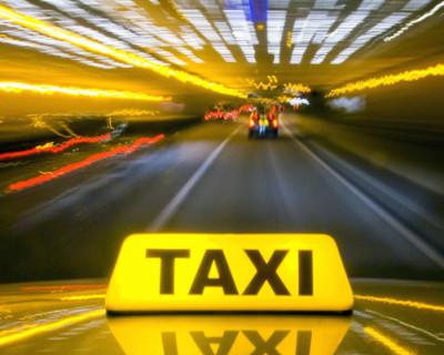 Севастопольский таксист не понял претензии беременной женщины и решил найти спасение у полицейского