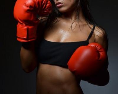 Мощные удары кулаками принесли победу севастопольским девушкам (фото)