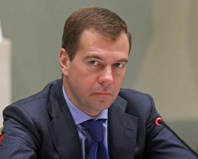 Премьер-министр РФ Дмитрий Медведев объявил об изменении правил выдачи водительских прав в России