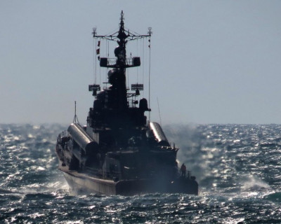 Черноморцы проводят двустороннее тактическое учение соединения ракетных катеров (фото)