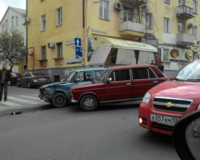 Жаркая севастопольская встреча двух «Жулек» (фотофакт)