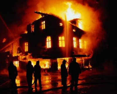 В Севастополе загорелся кошкин дом: спасли хозяйку и шесть человек