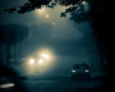 Ночной ИНФОРМЕР: Внимание водителей Севастополя: На дорогах туман, видимость нулевая!
