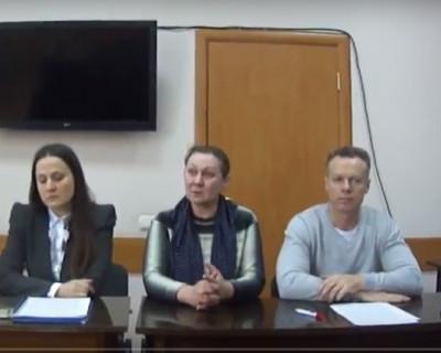 Московская банковская школа выгоняет на улицу многодетных мам с детьми