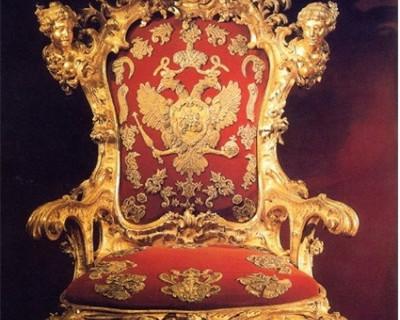 Кому Владимир Путин готов уступить президентское кресло?