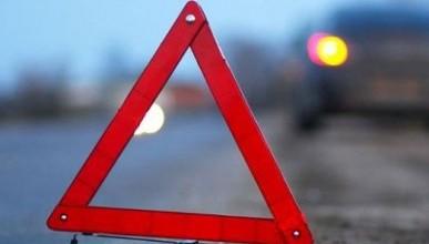 ДТП в Севастополе: КАМАЗ и «Мазда» решали, кто первый – победила, похоже, ДПС (фото)