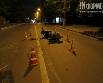 Ночной ИНФОРМЕР: На проспекте Гагарина лежит скутер, лужи крови засыпаны опилками (фото)