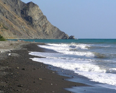 Волна выносит на берег трупы крымчан