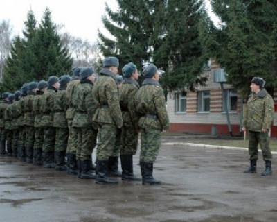 У военкоматов Севастополя впервые за многие годы — очереди