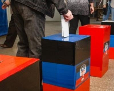 На Донбассе сегодня проходят выборы (фото)