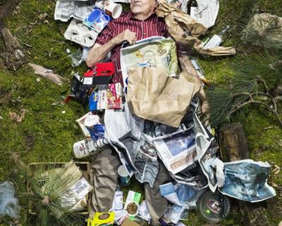 Добро пожаловать в Севастополь: мусор ждёт вас на пляже?! (фото)