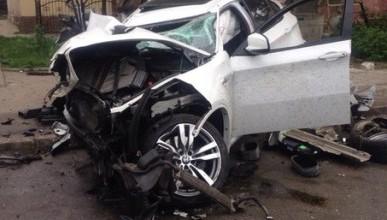 Груда металла и лужи крови — все, что осталось от водителя и BMW X6 в Симферополе (жуткие фото)