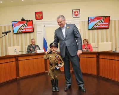 Глава Крыма поздравил с Днём Победы (фото)