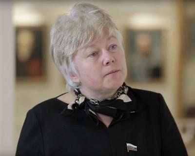 С барского стола севастопольскому сенатору Ольге Тимофеевой досталась крошка?! (фото)