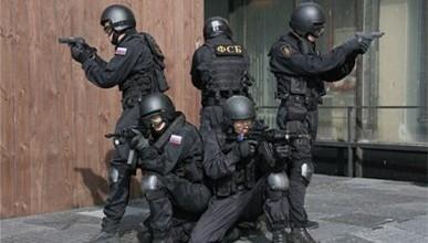 В ГИБДД Севастополя ломали двери и хозяйничали люди в масках