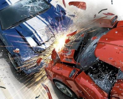 ДТП в Керчи: два автомобиля и дорожный знак стали грудой металла (фото)