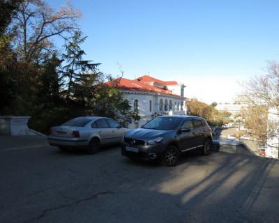 Синопский спуск приглянулся автовладельцам Севастополя ... в качестве парковки (фото)