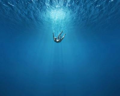 Спасатели Крыма не дали мужчине спокойно утонуть