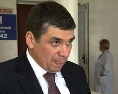 Доведя севастопольских врачей до увольнения, Восканян обещает миллионы приезжим