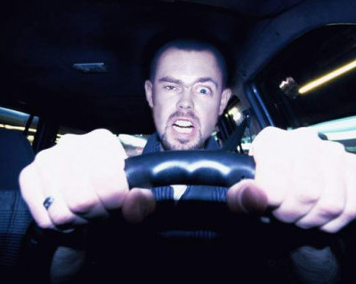 Неравнодушный севастополец помог задержать неадекватного водителя (видео)