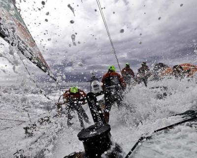 В Севастополе «Мангуст» спас «Ольгу»: яхтсмены едва не разбились о прибрежные скалы