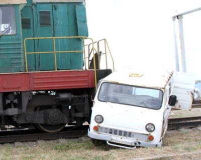 В Севастополе люди в касках ликвидируют ЧС (фото, вмидео)