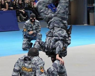 Дагестанец устроил массовую драку на чемпионате России по вольной борьбе - ОМОН психанул