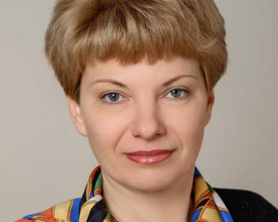 Севастопольский депутат принимает поздравления, цветы и подарки (фото)