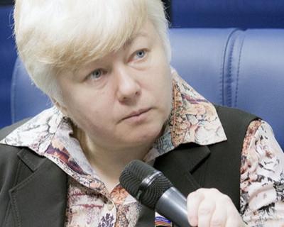 Плач российского сенатора Тимофеевой: полюбила космонавта, а он изменяет….