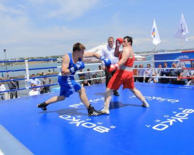 В Севастополе определят сильнейшего боксёра России (фото)