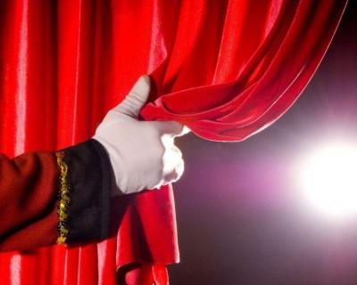 Севастопольский театр призвал поставить лайки