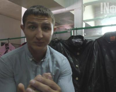Жители из Пятигорска устроили в Севастополе «вакханалию» курток из дерматина (фото, видео)