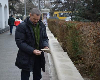 Почему голова депутата Севастополя Горелова не поднимается вверх? (фото)