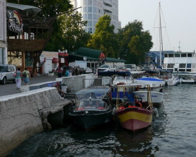 Прокатиться по акватории Севастопольской бухты – нюансы лучше уточнить на берегу (фото, карты)