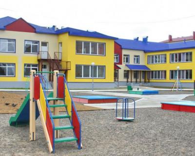 «ИНФОРМЕР» работает: строителей выселили из здания севастопольского детского сада в бухте Казачья (скриншот)
